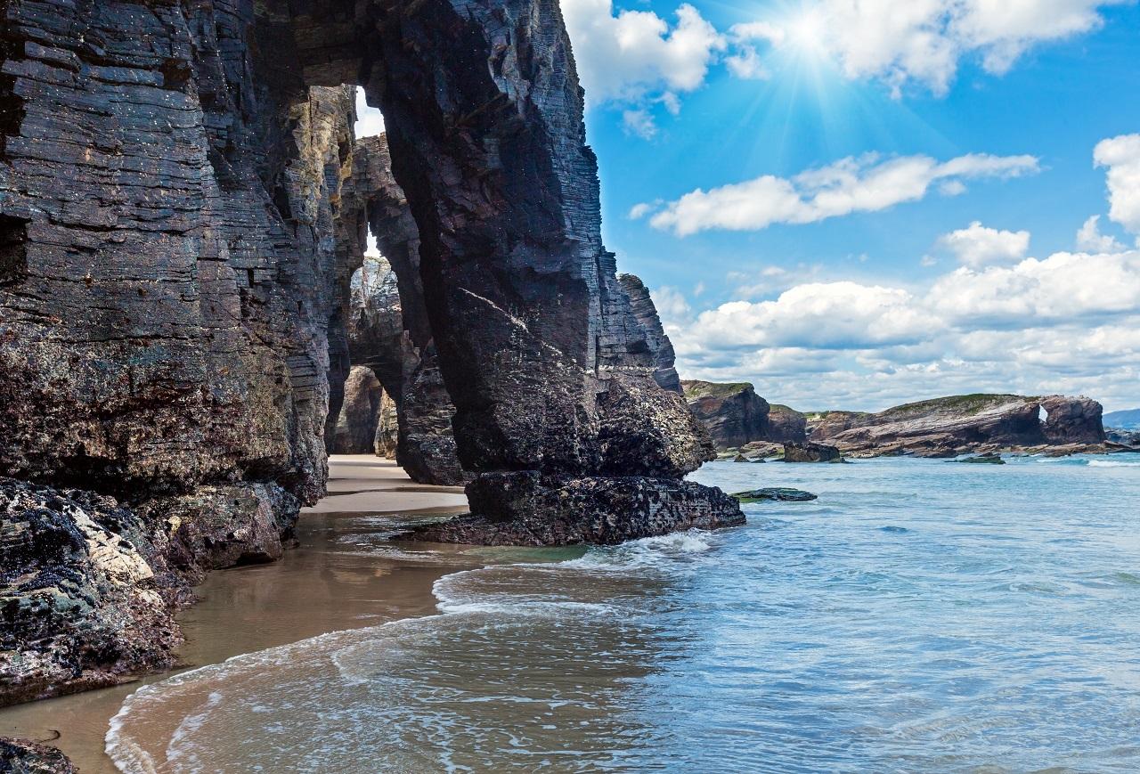 Playa de las Catedrales, para ver en una ruta por Lugo en una semana