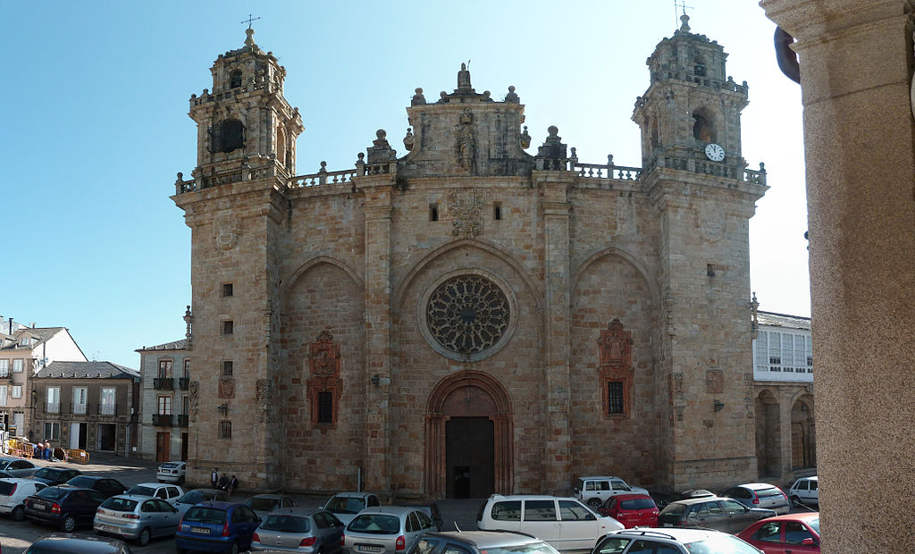 Fachada de la catedral de Mondoñedo