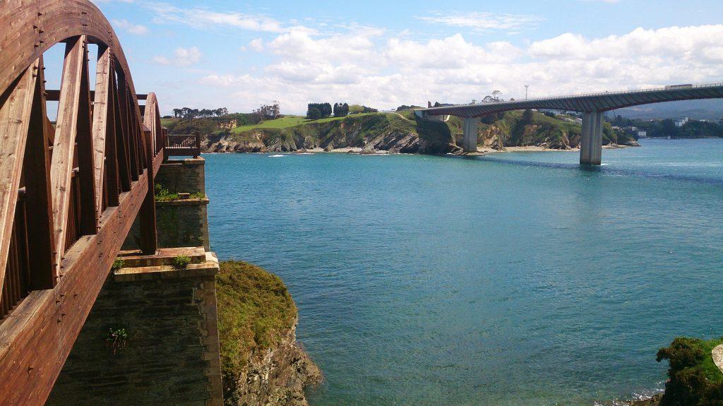 Puente de Todos los Santos
