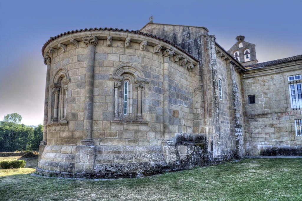 Monasterio de Santa María del Pantón en la Ribeira Sacra