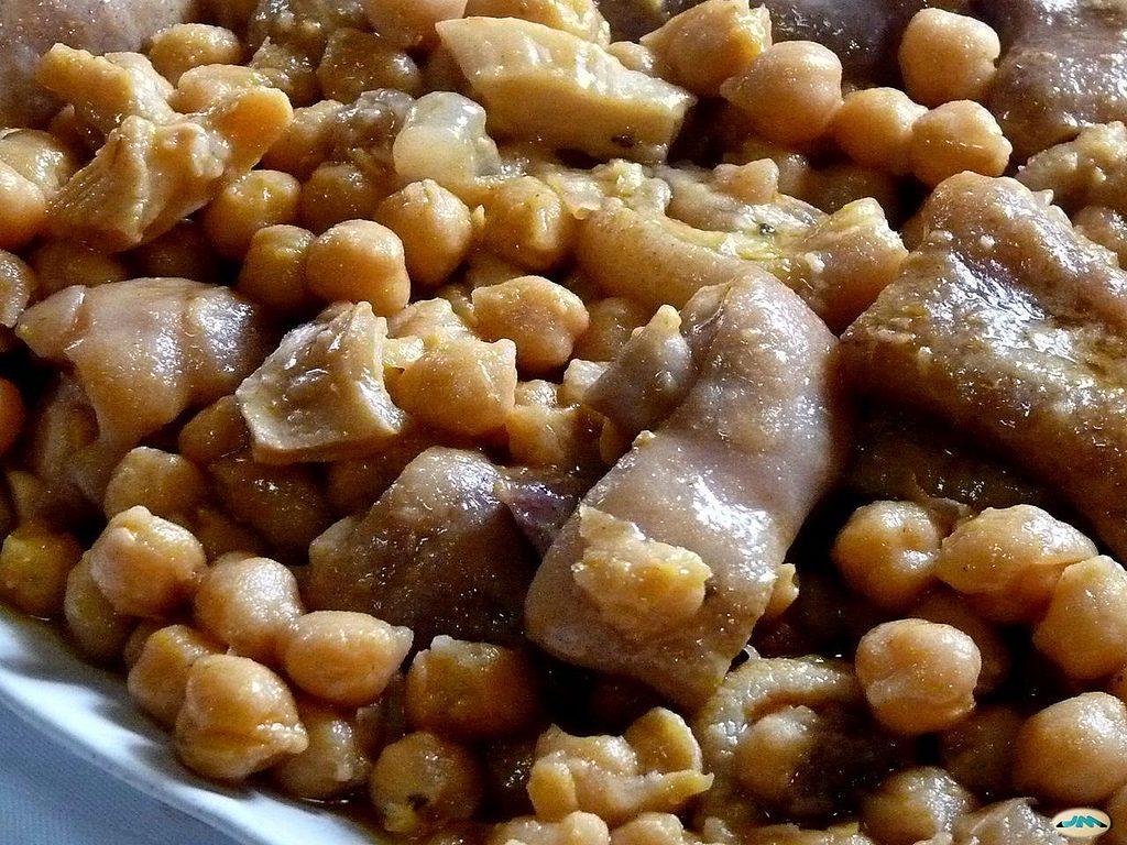 Callos con garbanzos, uno de los platos típicos gallegos
