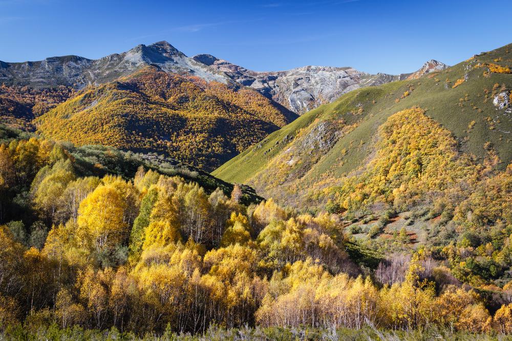 Vista de los Ancares, uno de los paisajes de Lugo más bonitos