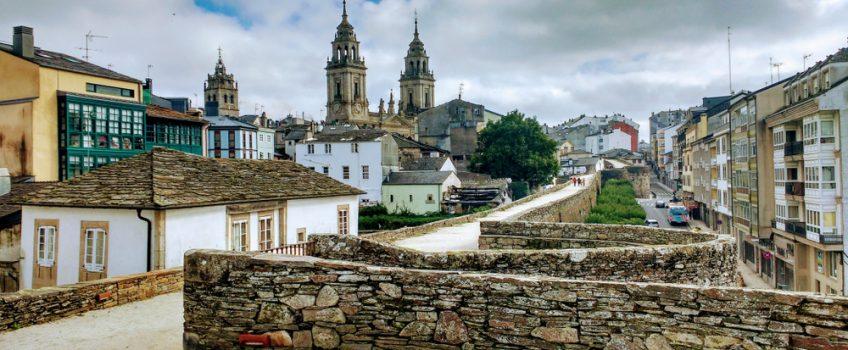 Vista de Lugo desde la muralla